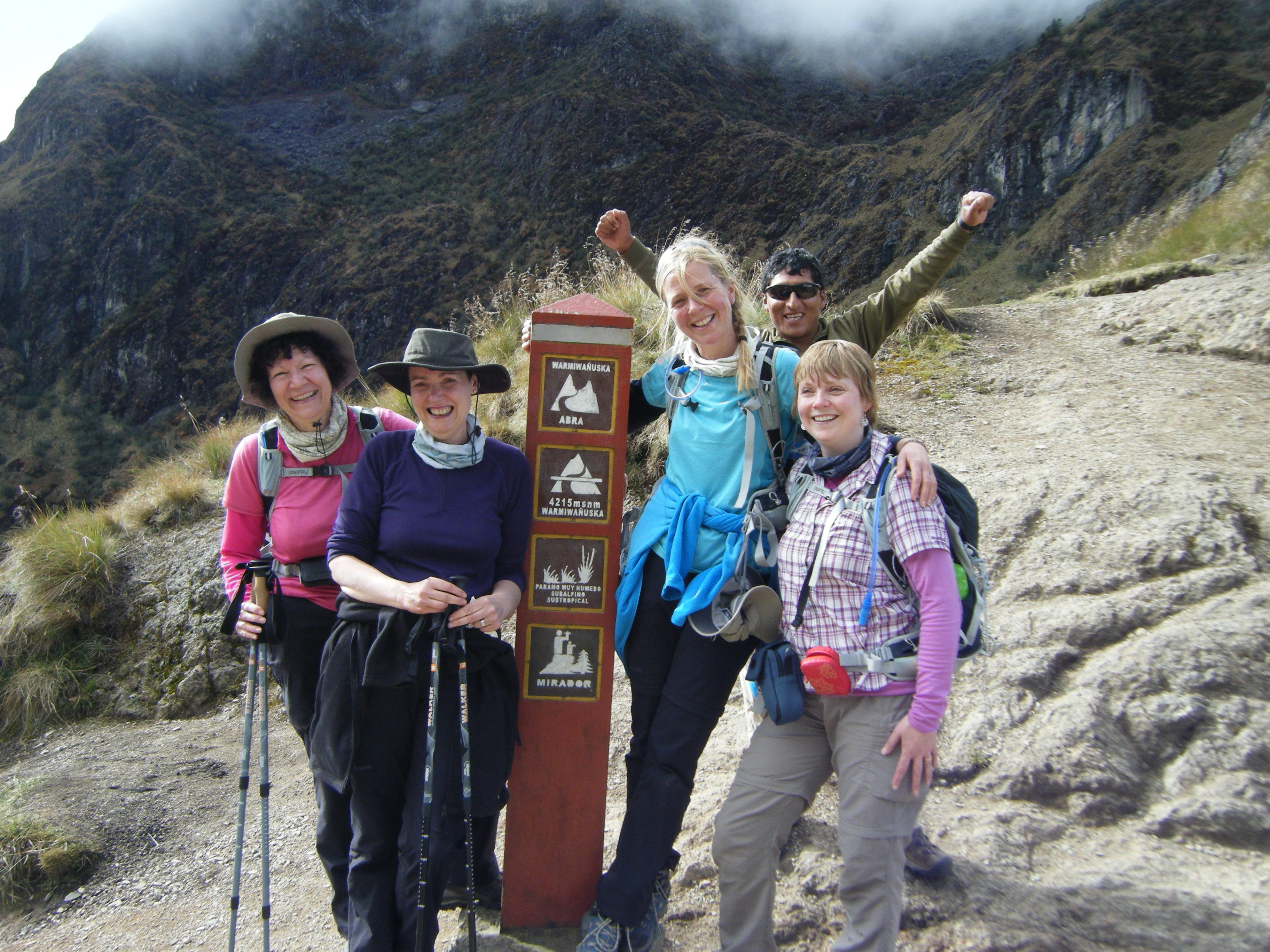 Girls_Take_On_Peru_Dead_Woman's_Pass