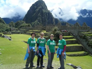 Girls_Take_On_Peru_Machu_Picchu